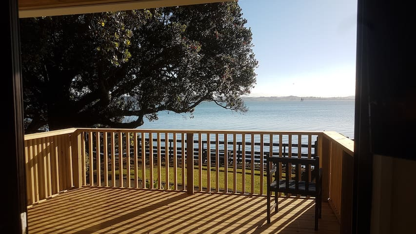 Waterfront Holiday Home at the Whangarei Heads