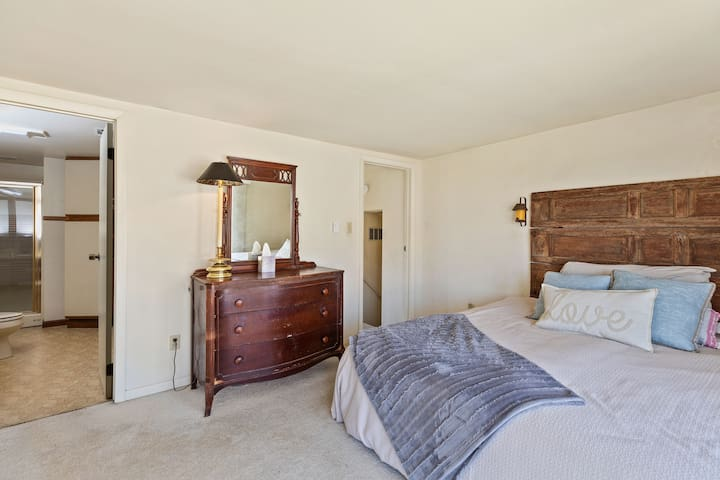 Room 2: Master suite - King Bed and full bath (up stairs)
