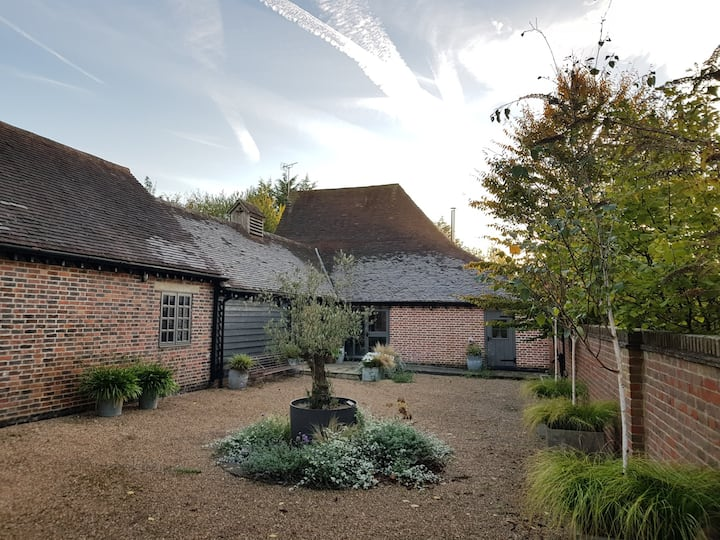 Stylish and peaceful B&B in listed barn