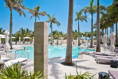 ★★★★★Ocean front Bal Harbour Resort  2 Balcony