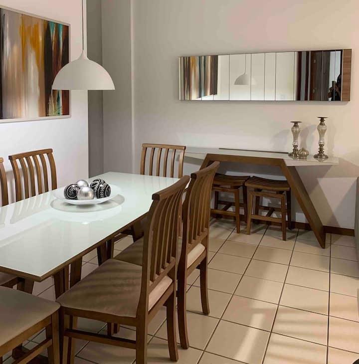 Condomínio bem localizado com apto. confortável.