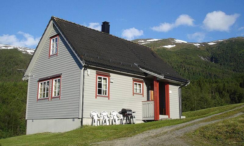 Kvitfella 1 - Sandane - Blockhütte