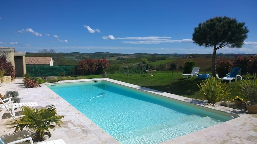 Grande maison avec piscine - Tombebœuf - Rumah