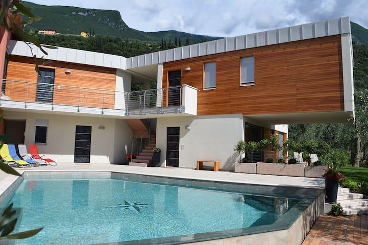 Gardasee CasaBana  Girasole operto tutto l'anno - Malcesine - Apartamento