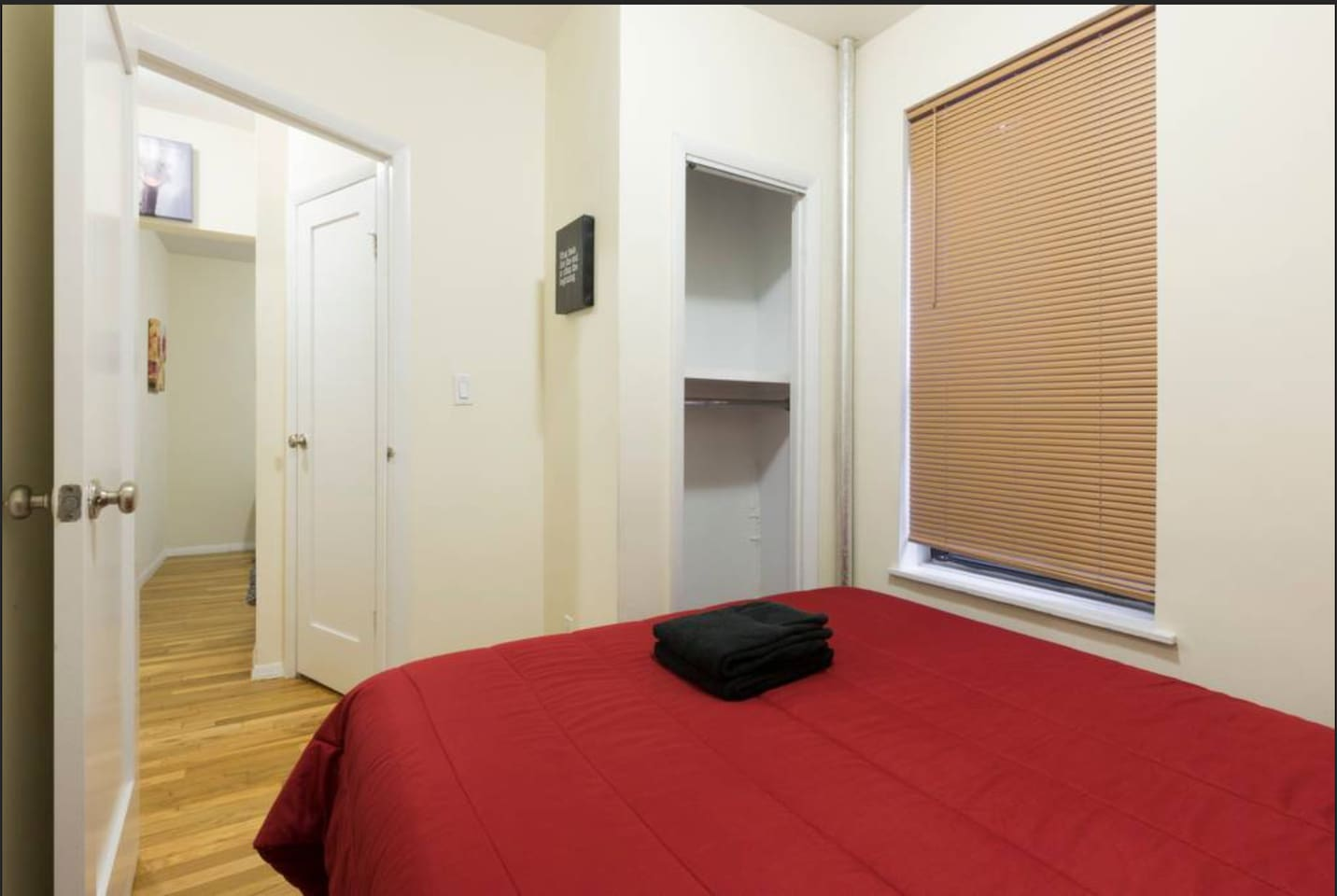Comfortable 2 bedroom Condo (Chelsea)