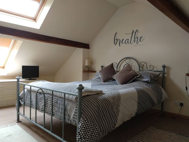 Large en suite room with great views