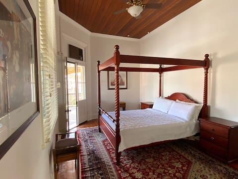 Queen Room with Ensuite @ Royal Hotel Mandurama