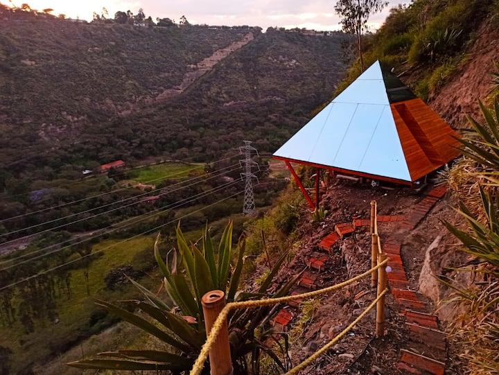 Cabaña Pirámide Energética