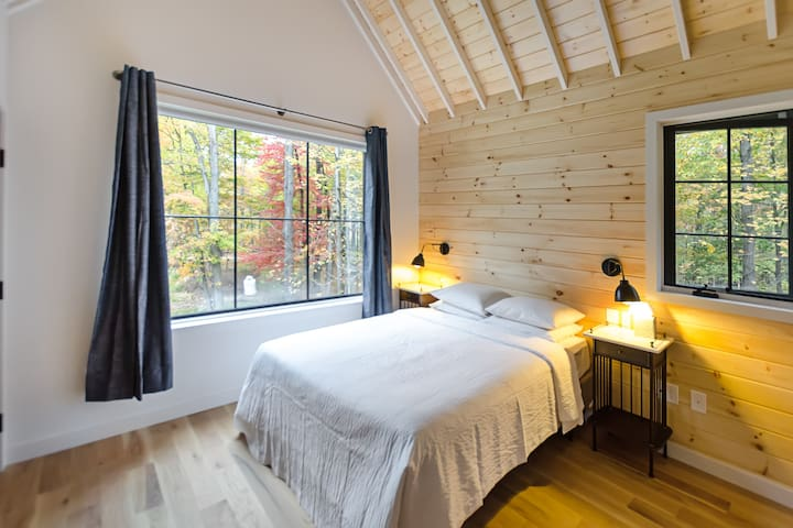 Brand New Cabin at Legendary Woodstock Resort