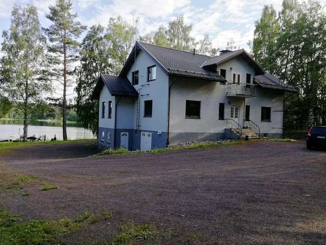 Spacious 5br house by the lake in Rautalampi