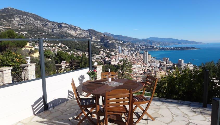Monaco à 1.5 km/ 30km panorama mer - La Turbie - Hus