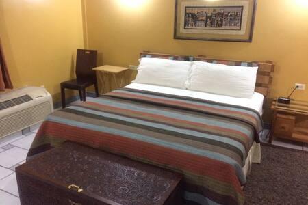 Emerald Luxury TT: Penthouse Suite 601 - Saint Augustine - Condominium
