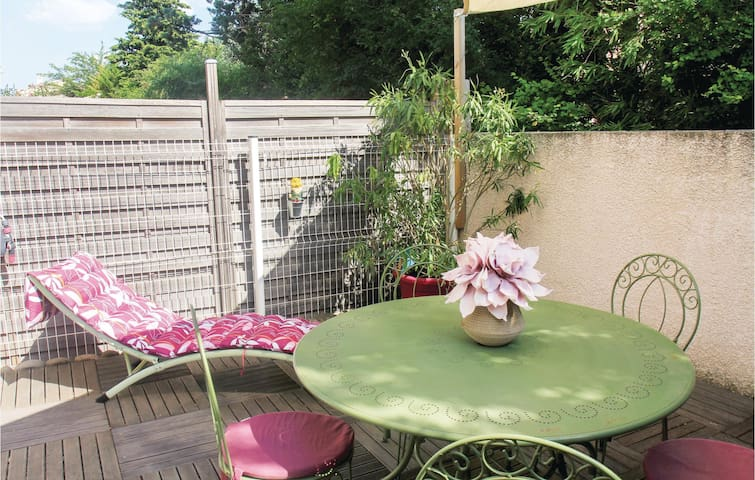 Terraced house with 2 bedrooms on 65m² in L'lsle sur Sorgue