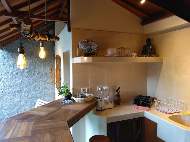 equipped kitchen for traveler