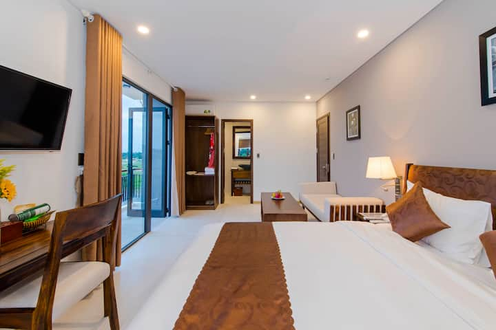Deluxe double Room- River View