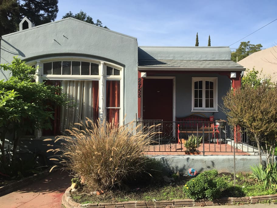 1925 Bungalow Room For Rent Houses For Rent In Oakland California United States