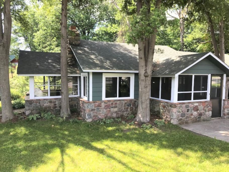 River front retreat cabins for rent in au sable charter for Porto austin cabin rentals