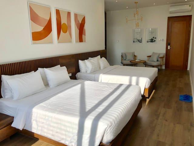 COCONUT HOTEL PHÚ YÊN (FAMILY ROOM WITH CITY VIEW)