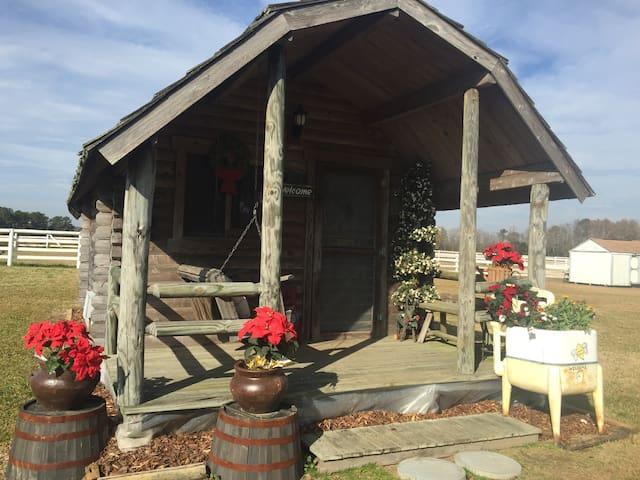 Horse farm cabin - Dunn - Casa de campo
