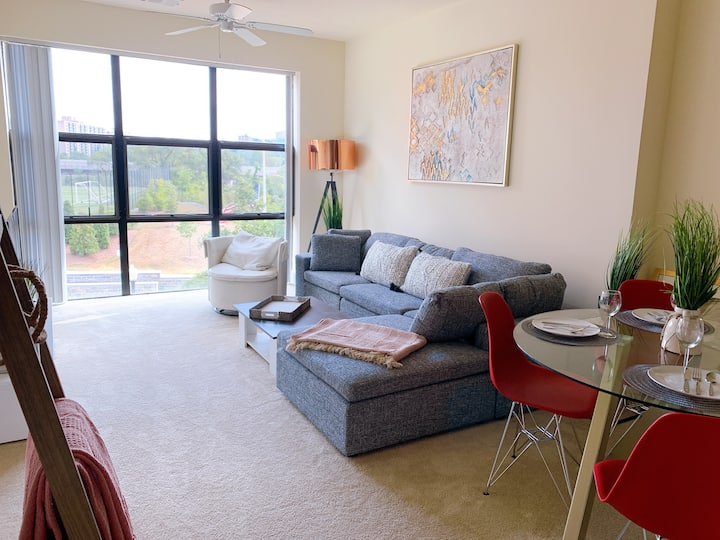 LUX | Upscale & Fresh 2 BR Heart of Old Town - DCA
