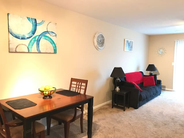 *The LOFT* 2B/2Ba & patio @ Easton* - Columbus - Apartment
