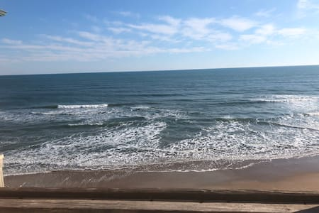 Newly Renovated Oceanfront Condo! Endless views!