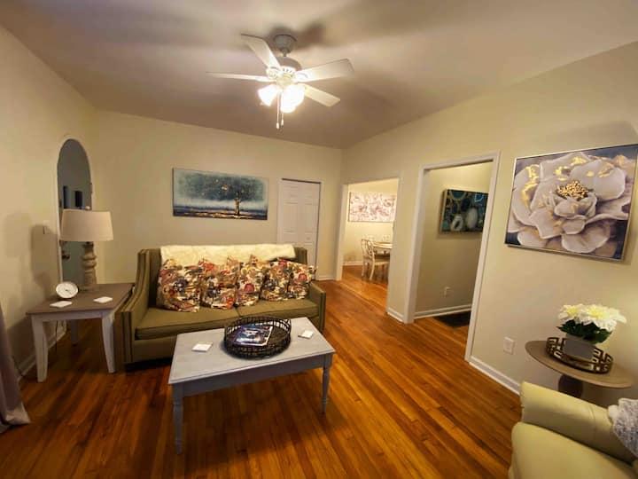 Historic Cloverdale Suite - 2