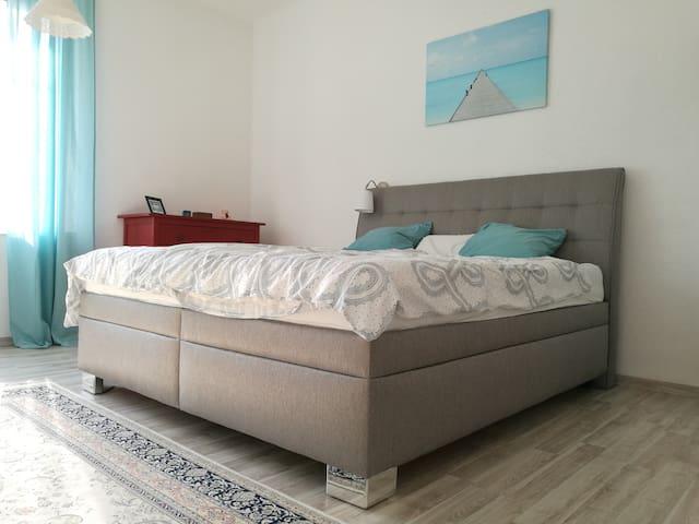 Beautiful, sunny apartment