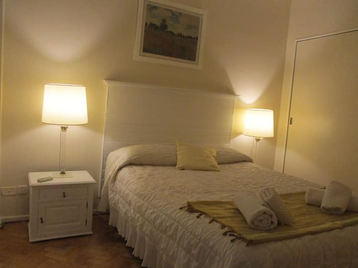 George cosy appartment, bien ubicado,confortable.