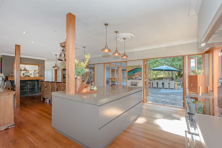 Rare Gem in Tamahere - for 10+ Lions or Fieldays! - Tamahere - Hus
