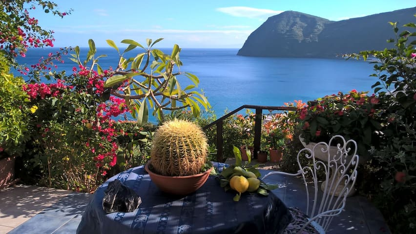 "Two rooms in the villa ""D"" sea view - Lipari - Apartamento"