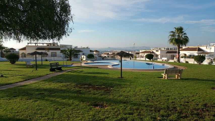 Lovely 3 Bedroom Holiday Home In La Marina - San Fulgencio - Rumah