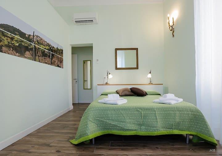 Green Room / CITR 011015-AFF-0101