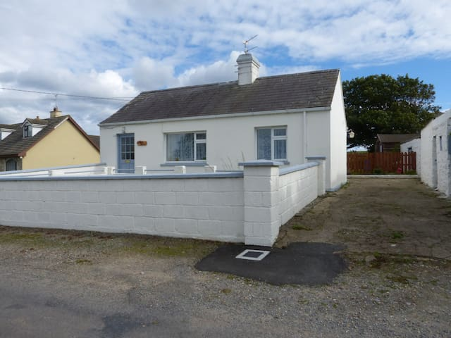 Cottage to Rent in Beautiful Ardmore Co Waterford