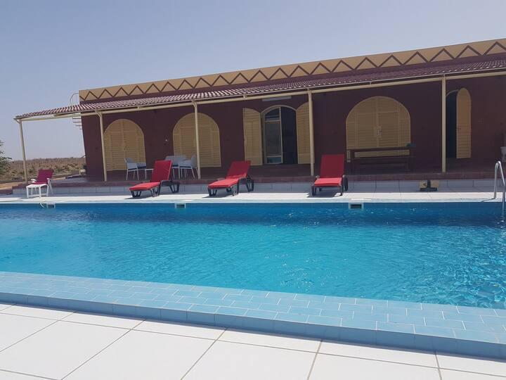 voûte nubienne avec piscine calme et silence