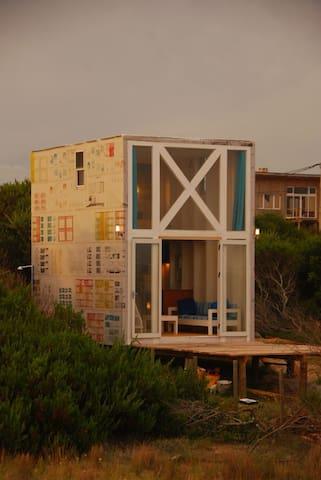 De Revista, little cabin at the beach - Punta Rubia - Houten huisje