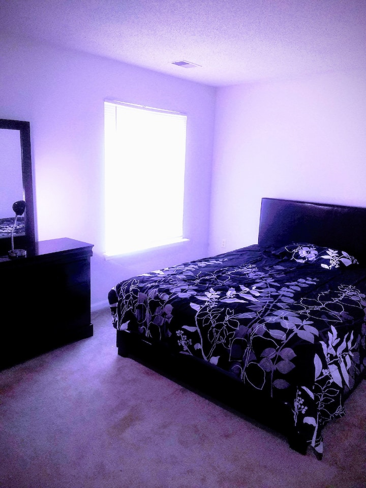 WARM,COZY, PRIVATE BEDROOM /FULLY FURNISHED.