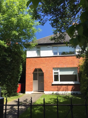 Lovely family home with big garden