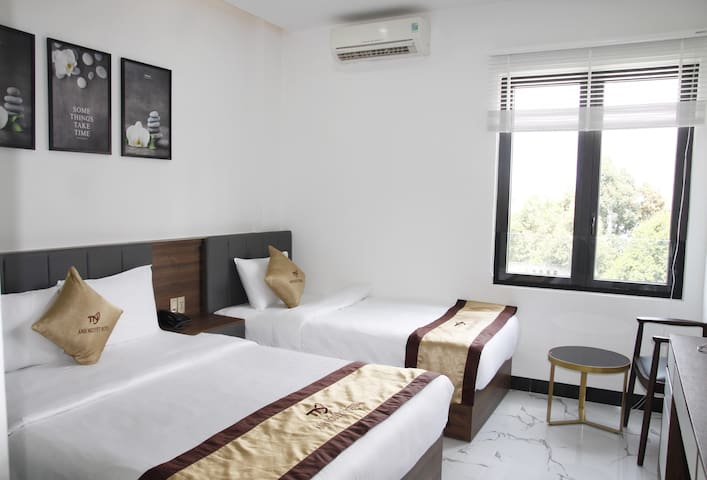 Anh Nguyet hotel/5 mins to Han Market/city center