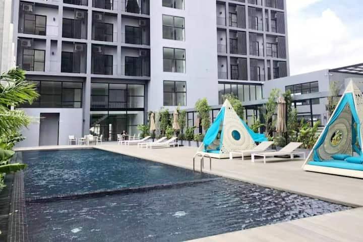 5 Stars* Facilities | Premium 1BR Condominium