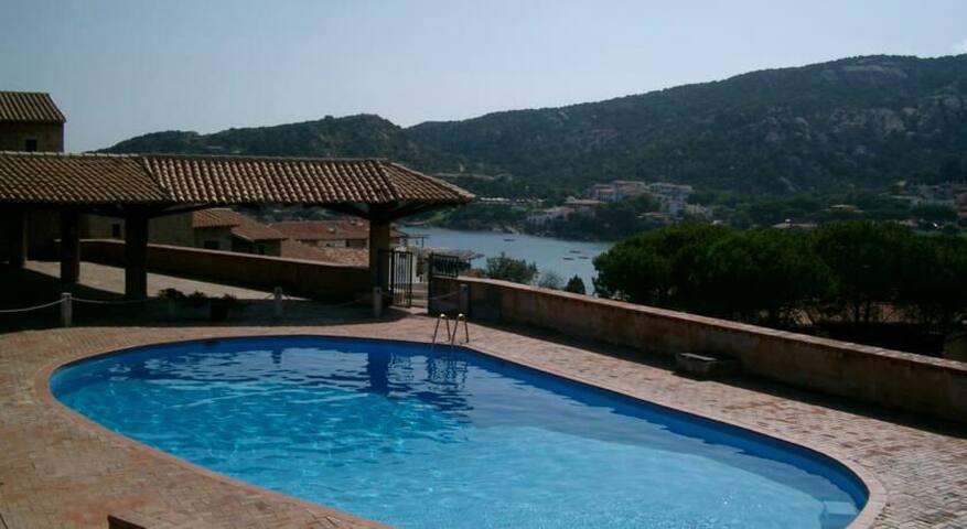 Bel trilo con piscina,Baja Sardinia - Baja Sardinia - Lejlighed