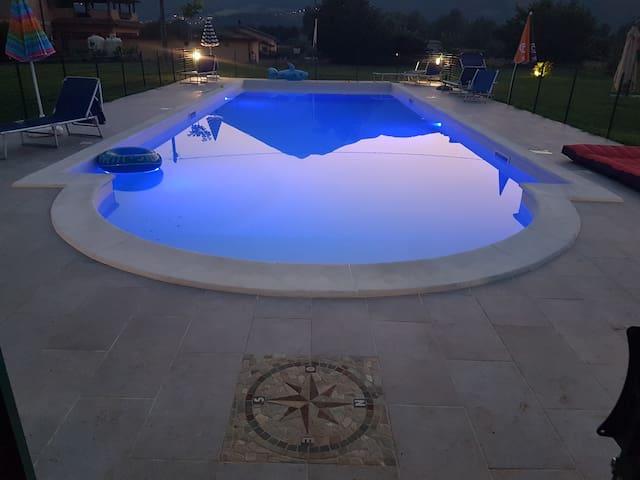 Amaretto 100m2 avec vue sur les montagnes, piscine
