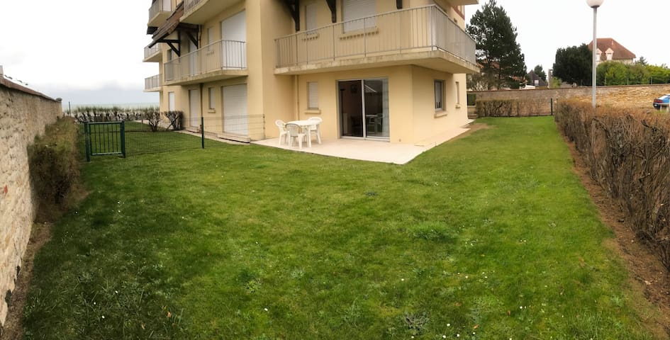 2-room apartment with garden, close to city center - Luc-sur-Mer - Apartment
