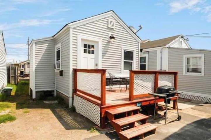 Melo's Beach House,Sea Breeze,Hampton beach