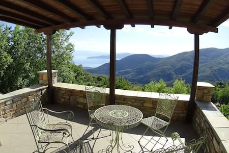 San Lorenzo's house with amazing view - Agios Lavrentios - Villa