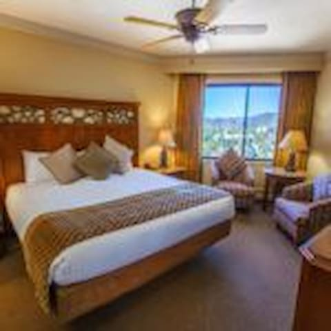 NEW YEARS WEEK HOTEL ROOM SLEEPS 2 RIDGE TAHOE