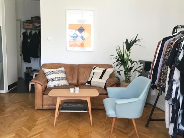 Cenreal located and cozy apartment in Stockholm