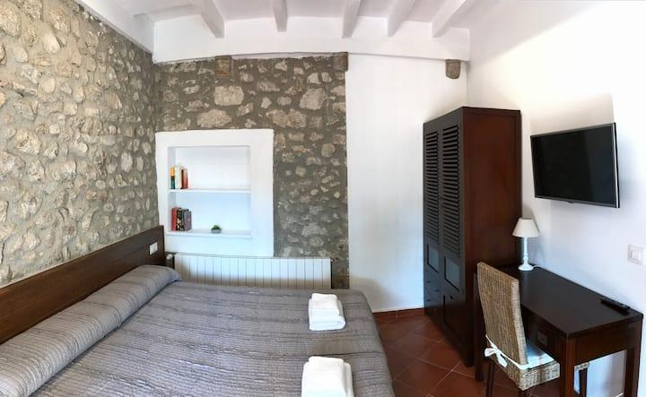 ROMANÍ: Habitación con terraza