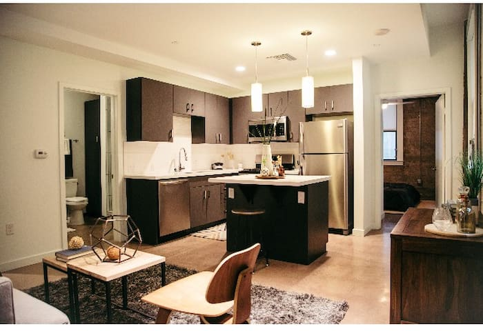 Full kitchen with complimentary coffee & tea and cooking essentials.