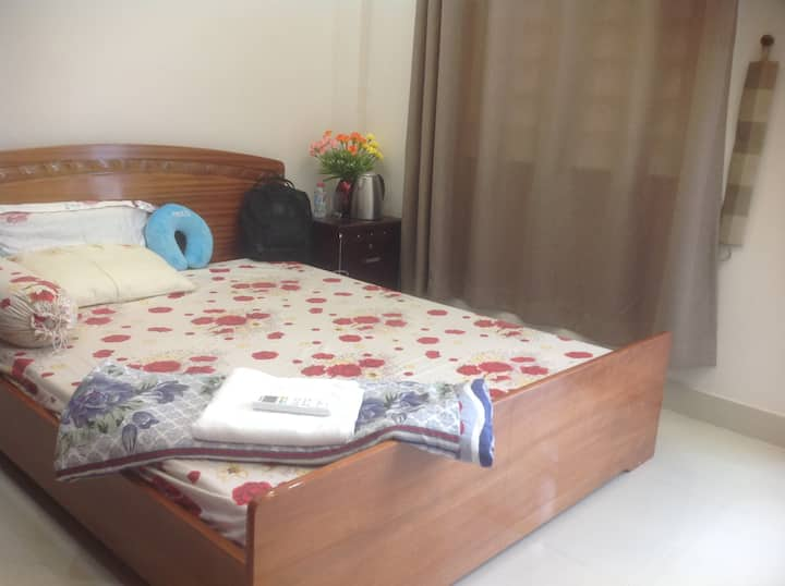 Riverside Spacious Double bedroom with balcony
